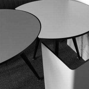 طاولة فندق أعلى